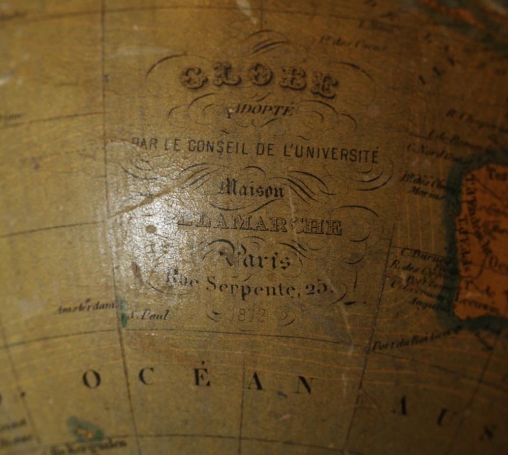 Globe terrestre Delamarche 1872