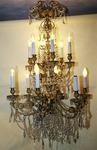 Lustre bronze doré et cristal style L XVI