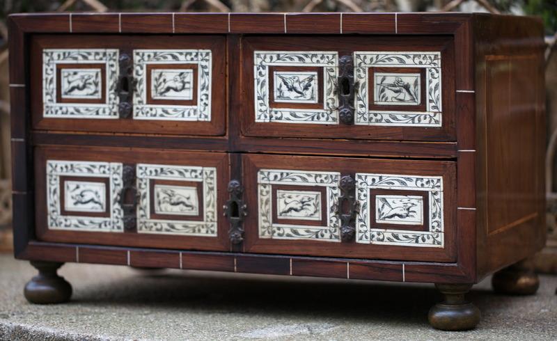 Petit cabinet Italie XVII
