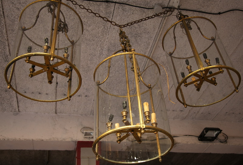 lanternes style louis xvi. Black Bedroom Furniture Sets. Home Design Ideas