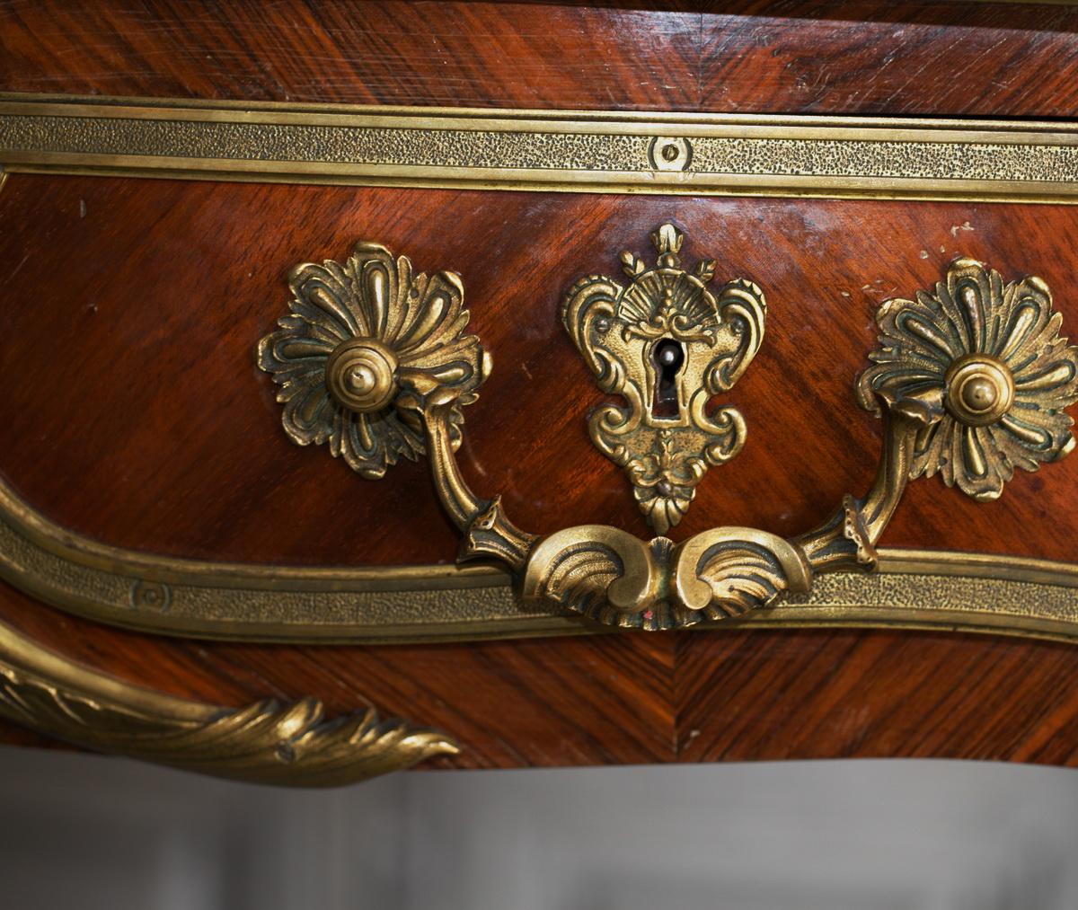 Bureau plat de style Louis XV circa 1880