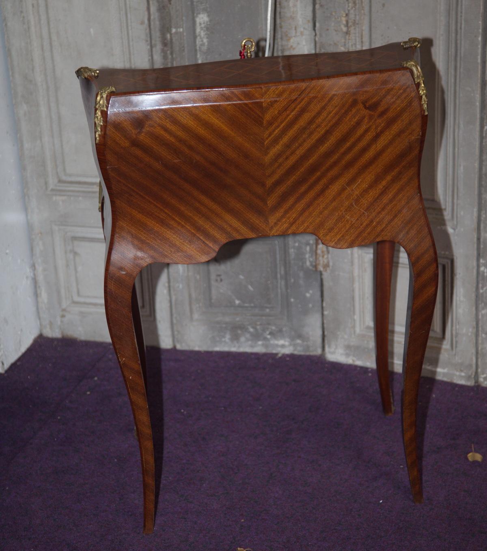 Petit bureau de pente style Louis XV