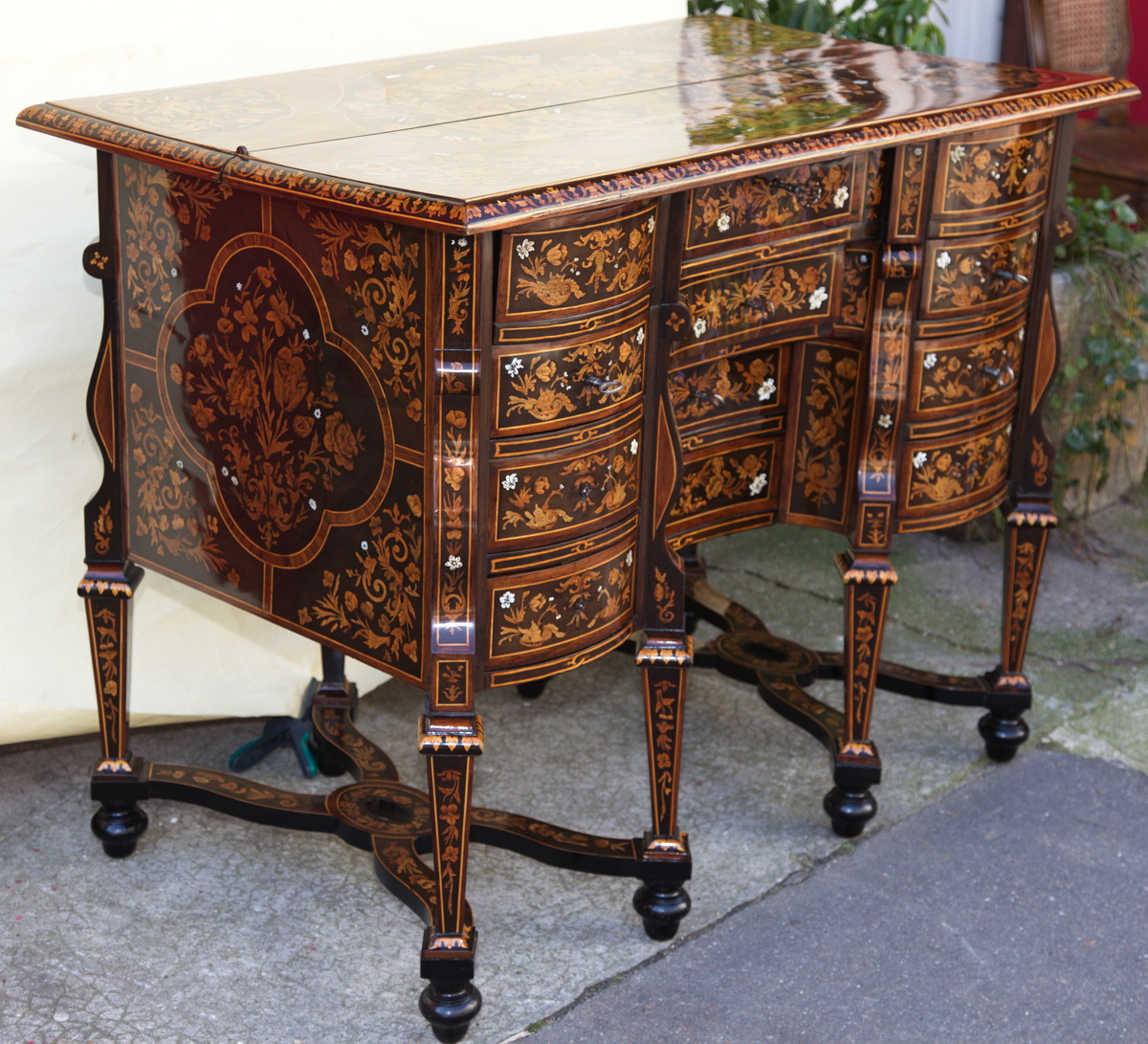 bureau mazarin style louis xiv milieu xix. Black Bedroom Furniture Sets. Home Design Ideas
