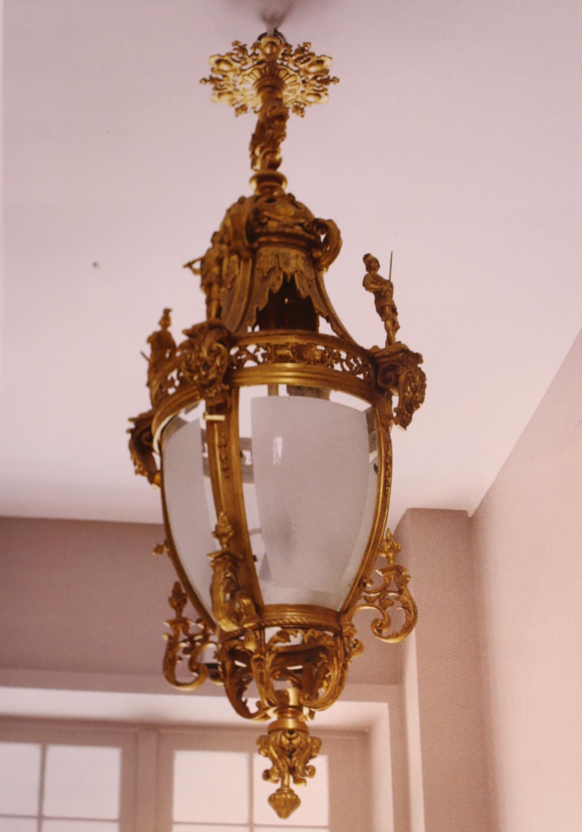 lanterne de style renaissance xx. Black Bedroom Furniture Sets. Home Design Ideas
