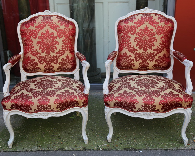 Pair of Louis XV armchairs by MEUNIER