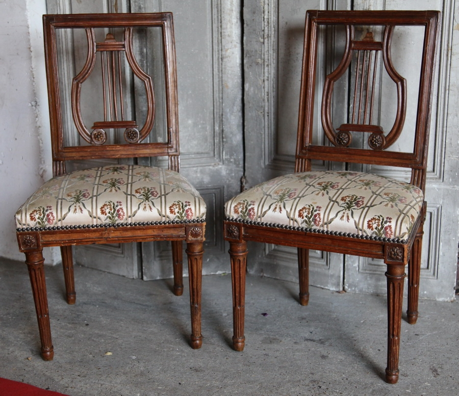 Paire de chaises XVIII AVISSE