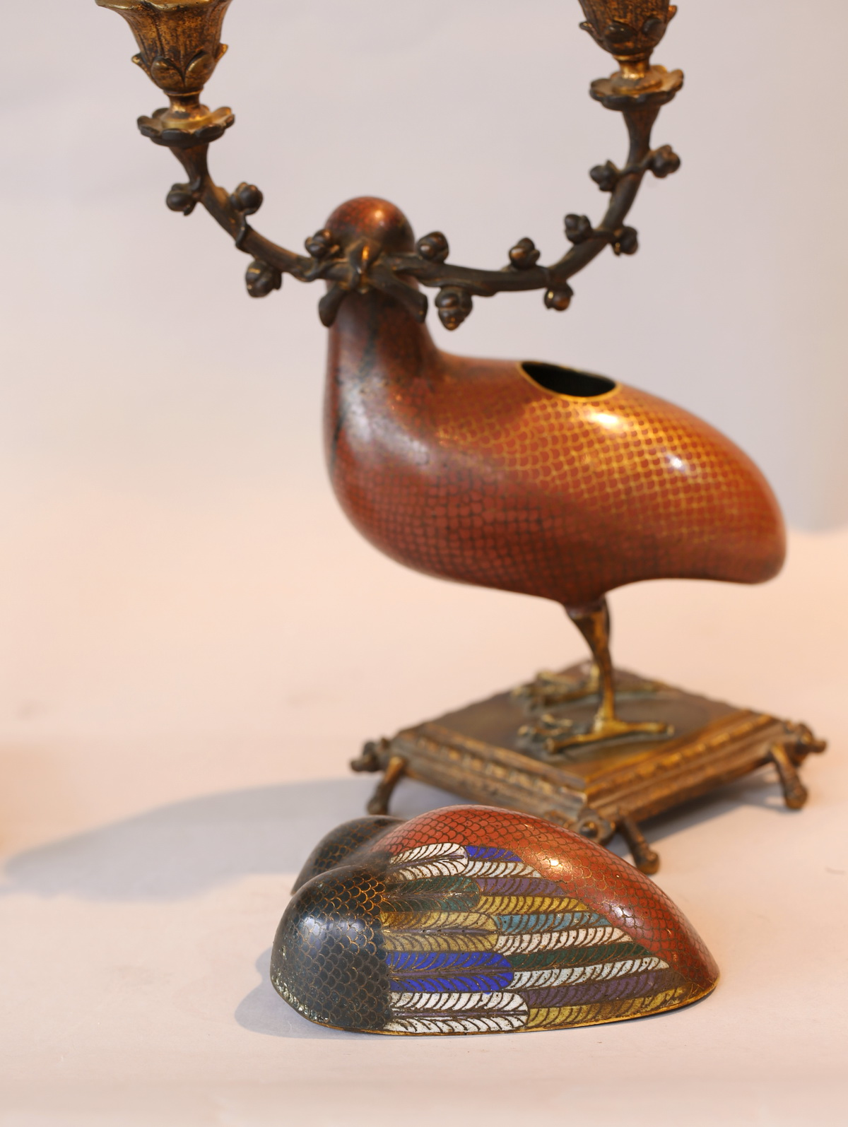 Paire de bougeoirs Cailles circa 1850