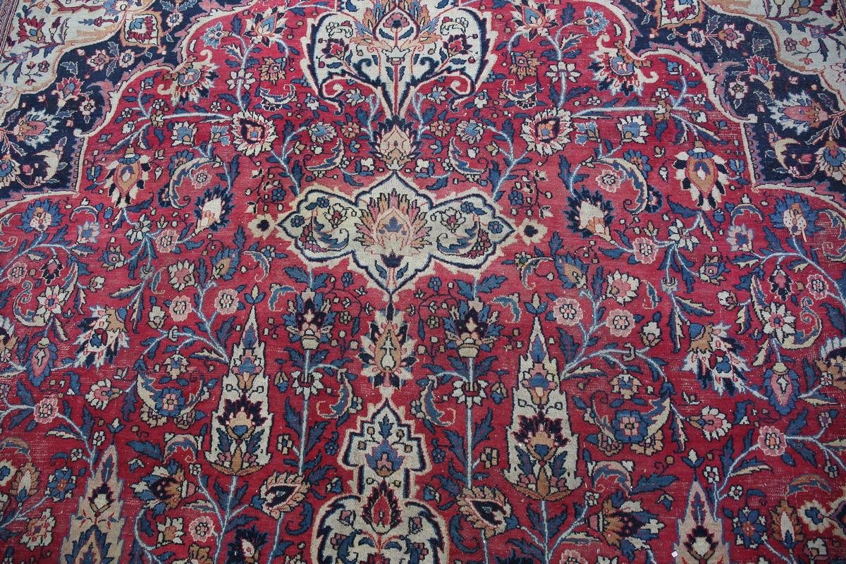 Important tapis IRAN début XXème