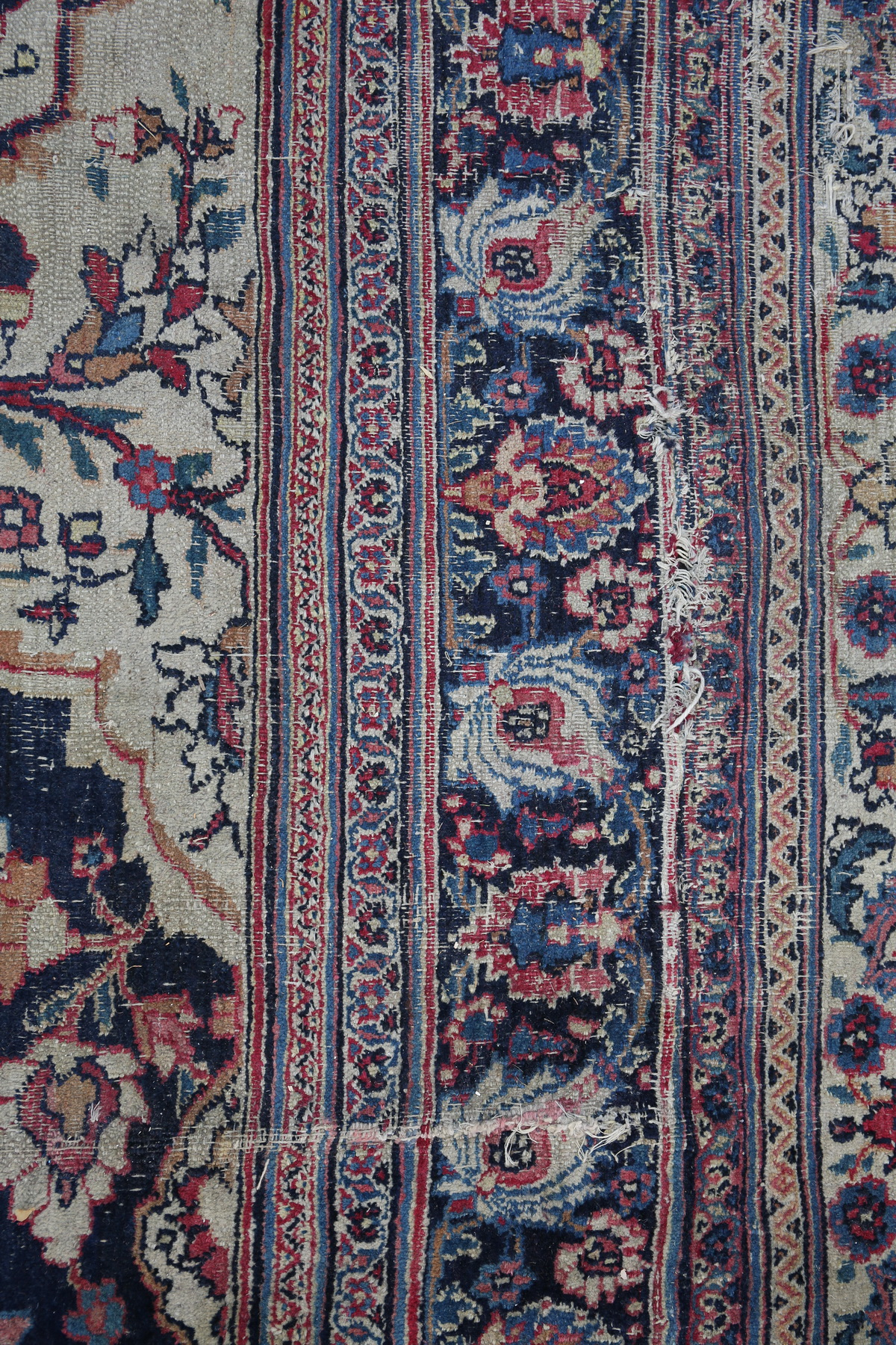 Important IRAN carpet early 20th