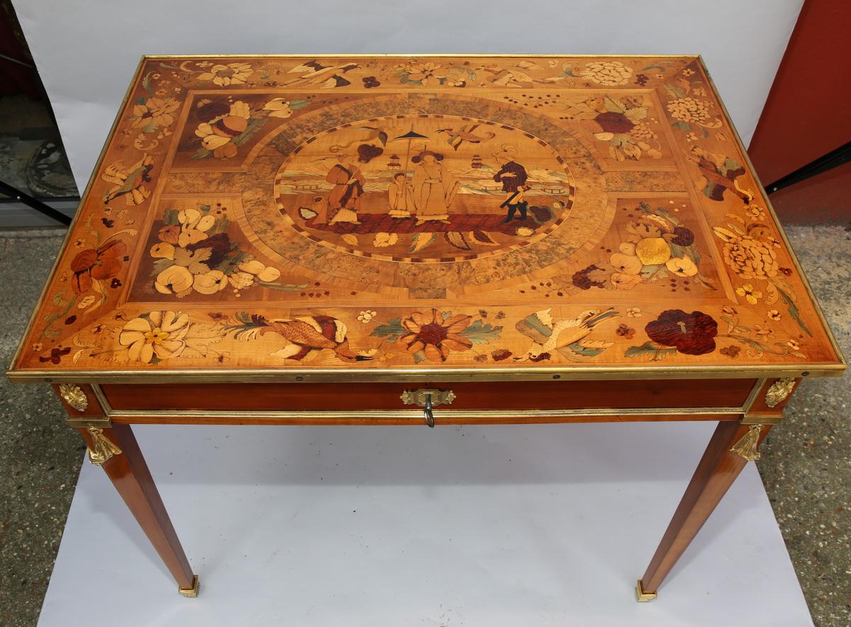Table de salon style Louis XVI circa 1880