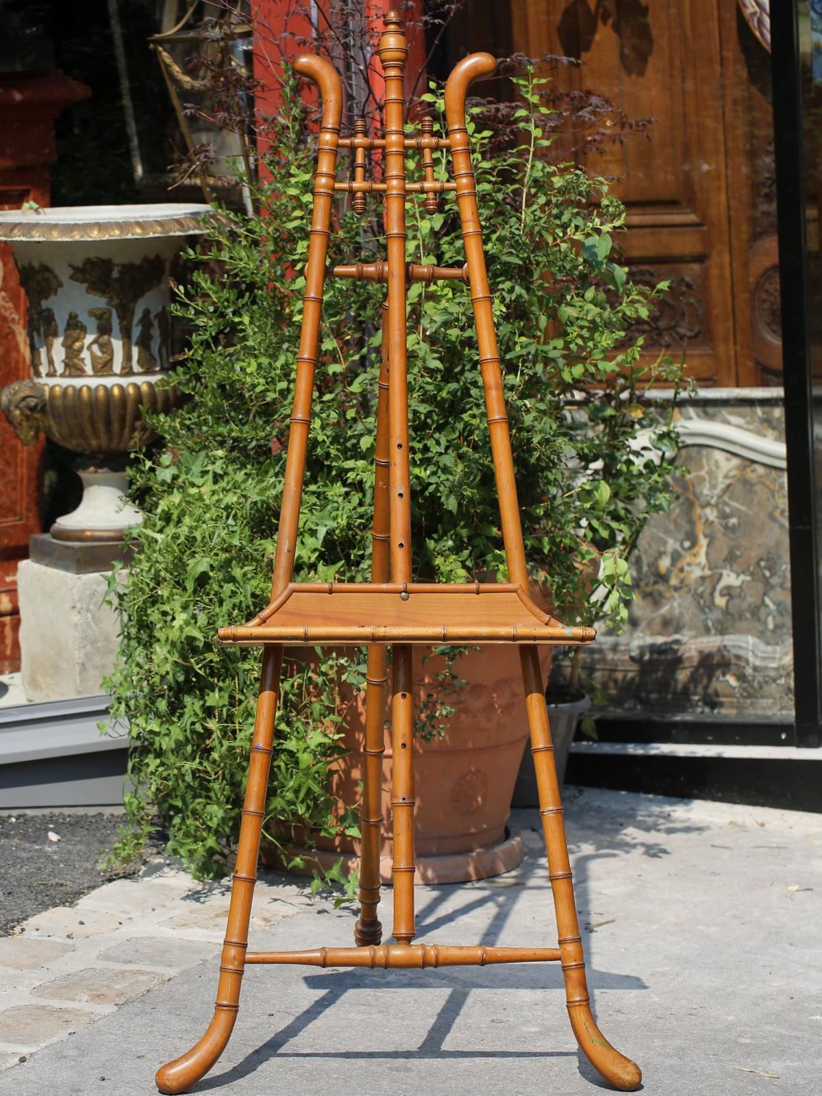 Bamboo Imitation Wood Presentation Easel