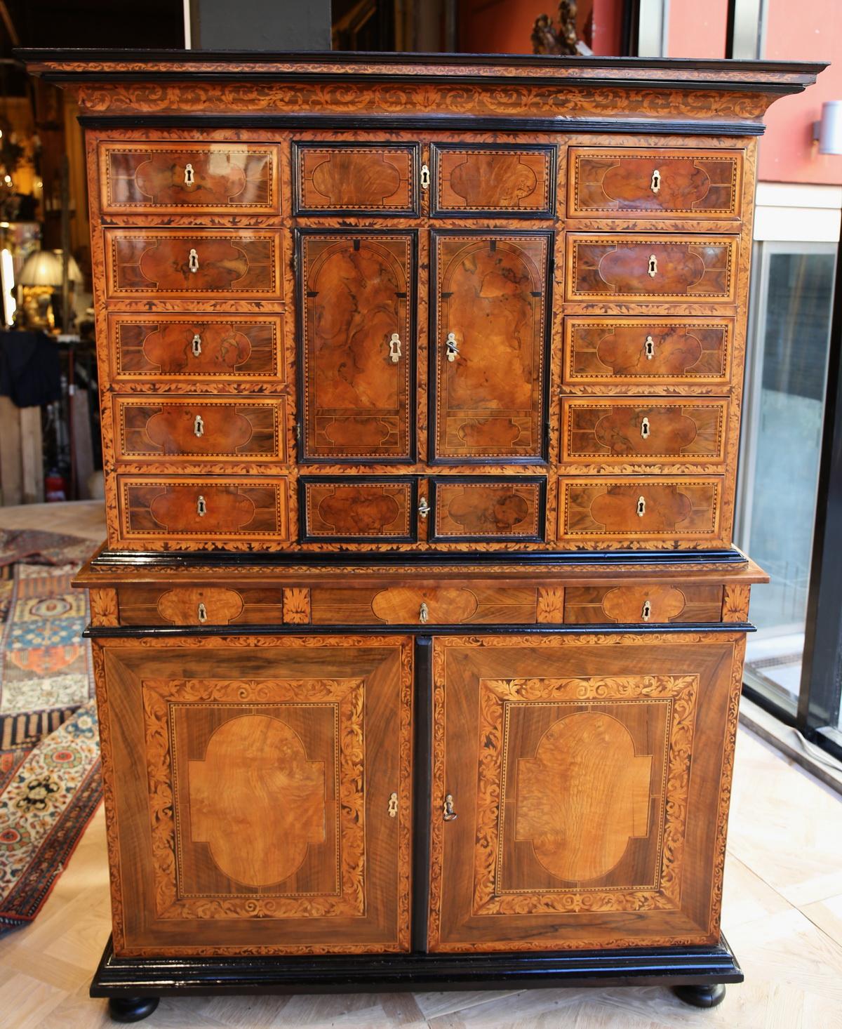 Armoire cabinet, Grenoble XVIIème