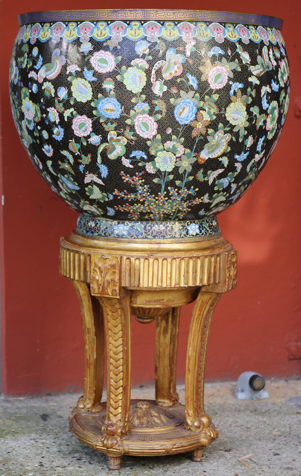 Chine XIX, cache pot et socle L XVI