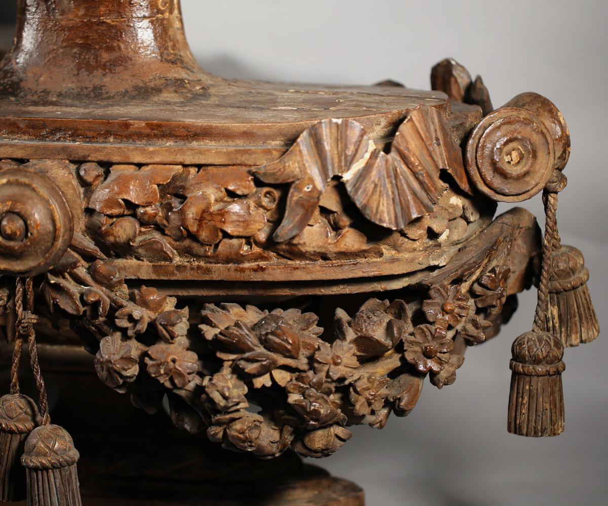 Paire de vases d'ornement époque Louis XVI