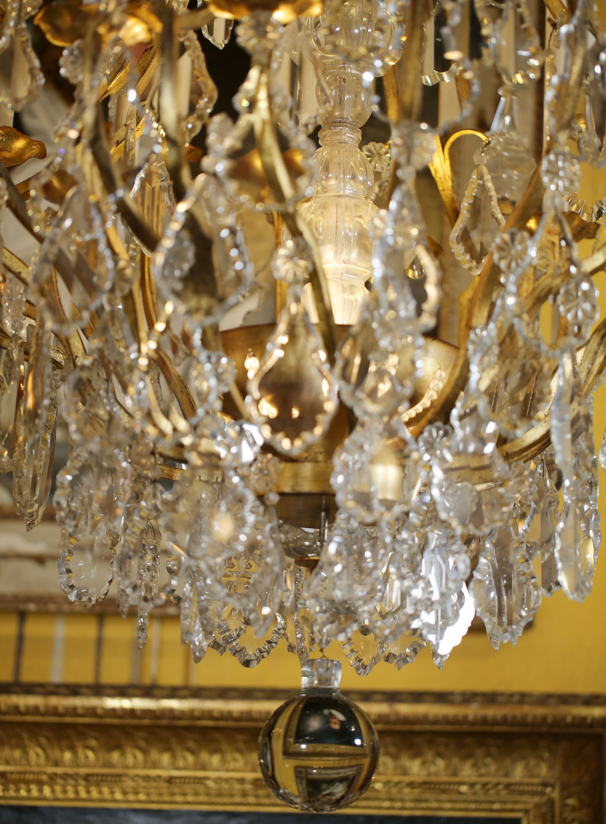 Maison Bagues Louis XV style cage chandelier.