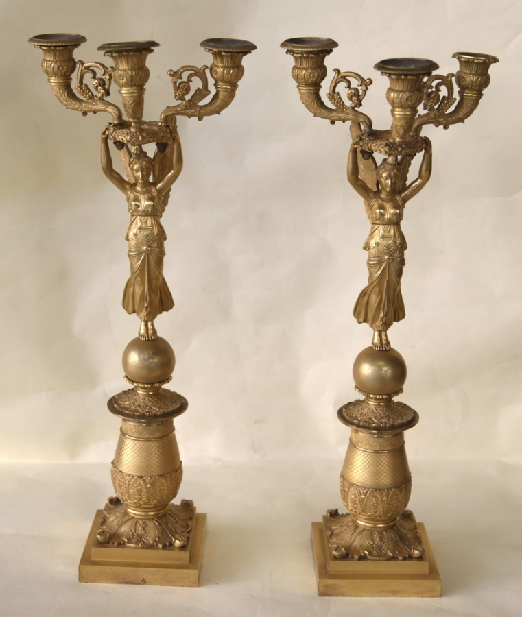 Paire de candélabres Restauration