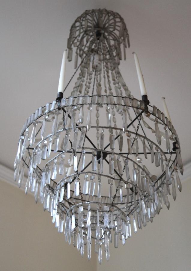 lustre montgolfiere circa 1800. Black Bedroom Furniture Sets. Home Design Ideas