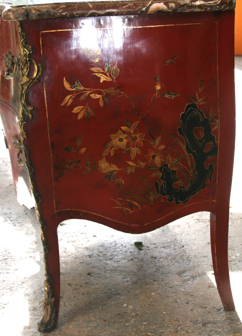 CHEST OF DRAWERS in LACQUER circa on 1880