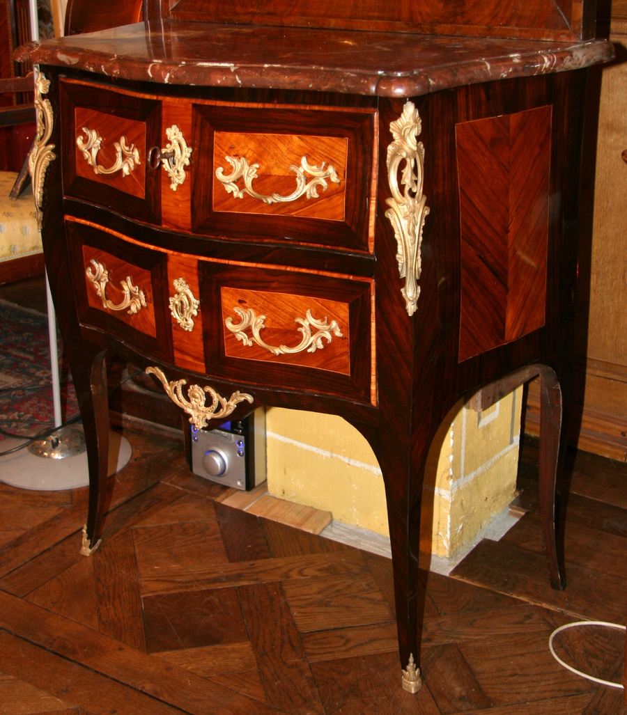 Wooden chest of drawers FLECHY 18th