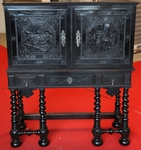 Cabinet in ebony 17th