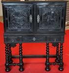 Cabinet en ébène XVII