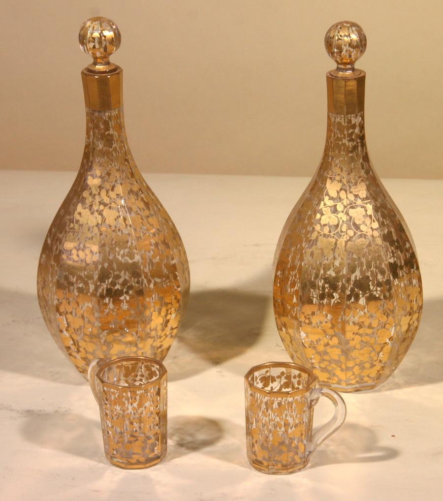 Set of liqueur glasses